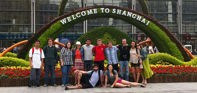 Photo of a group of students in China on Education Abroad trip